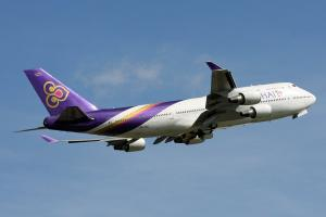 Самолет Thai Airways