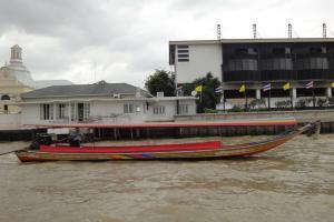 Водное такси на реке Чао Прайя в Бангкоке