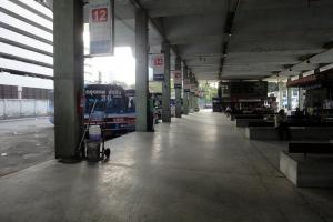 Автовокзал Эккамай рядом со станцией метро Ekkamai Station