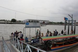 Пирс №8 Tha Tien на реке Чао Прайя в Бангкоке