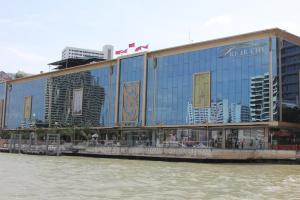 River City на Чао Прайе в Бангкоке
