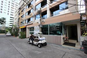 Отель Eight Ville в Бангкоке