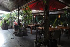 Ресторан New Joe Guesthouse в Бангкоке