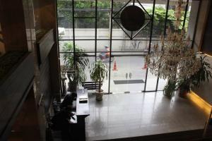 Вход в White Palace Bangkok