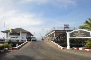 Пирс в Лаем Нгоп на материке