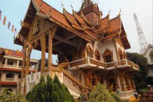 Храм Wat Buppharam