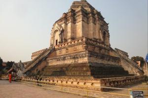 Храм Wat Chedi Luang