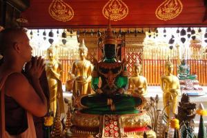 Храм Wat Doi Suthep