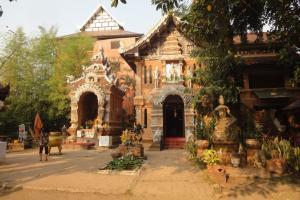 Храм Wat Lok Molee