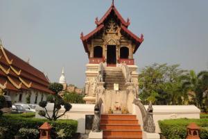 Храм Wat Phra Sing