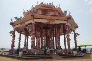 Китайский храм в Шрирача