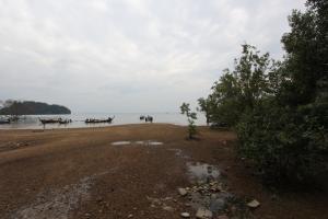 Пляж Рейли Ист