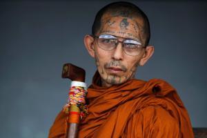 Монах с татуировками