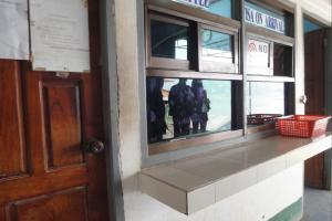 Паспортный контроль для прибывающих в Лаос