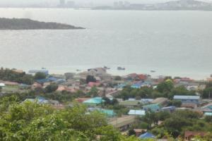 Поселок на острове
