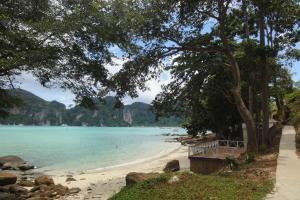 Первый пляж между Тонсай и Лонг Бич