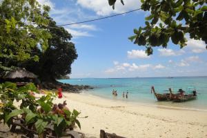 Четвертый пляж между Тонсай и Лонг Бич на Пхи-Пхи