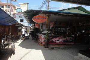 Улица на Тонсае острова Пхи-Пхи