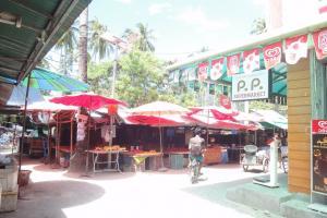Рынок на Тонсае острова Пхи-Пхи