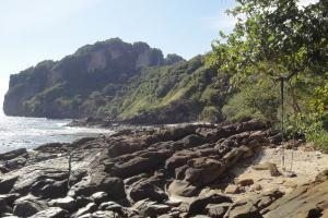 Пляж 2 к востоку от Loh Dalum на Пхи-Пхи