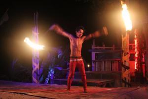 Огненное шоу в Мокен баре на Пхи-Пхи