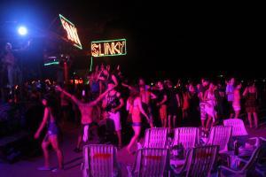 Тусовка в баре-дискотеке Slinky на Пхи-Пхи