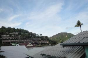 Вид из окна в Harmony house на Пхи-Пхи