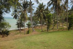 Пляж на острове Ко Сирей