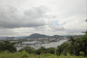 Вид на порт Рассада на Пхукете