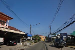 Городок рядом с пирсом Laem Hin (Пхукет)