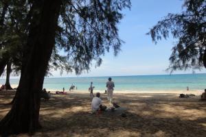 Северная часть пляжа Най Янг