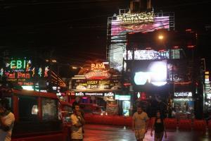 Ночная жизнь в районе пляжа Patong