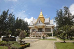 Храм рядом с Сурином