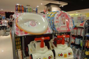 Детские товары в магазине Робинсон на Пхукете