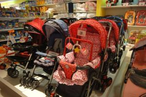 Детские коляски в магазине Робинсон на Пхукете