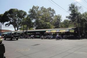 Рынок на перекрёстке Паттана Роуд