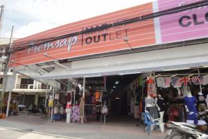 Outlet Market Патонг