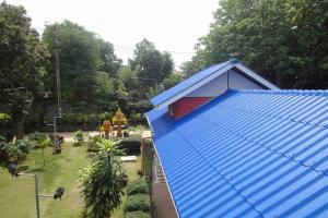 Вид из окна Lelawadee guesthouse на Самете