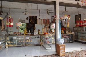 Сувениры на территории Большого Будды на Самуи