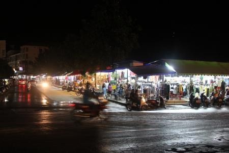 Вещевой рынок на Патонге