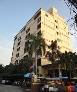Green Roof Mansion в Паттайе