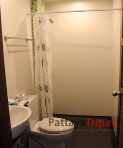 Туалет и душ в номере
