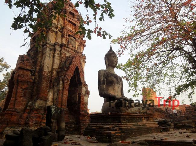Храмы в Аюттайе