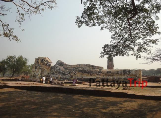 Лежачий Будда в Аюттайе