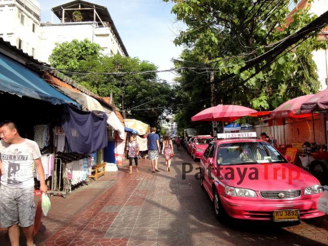 Улица Rambuttri в Бангкоке