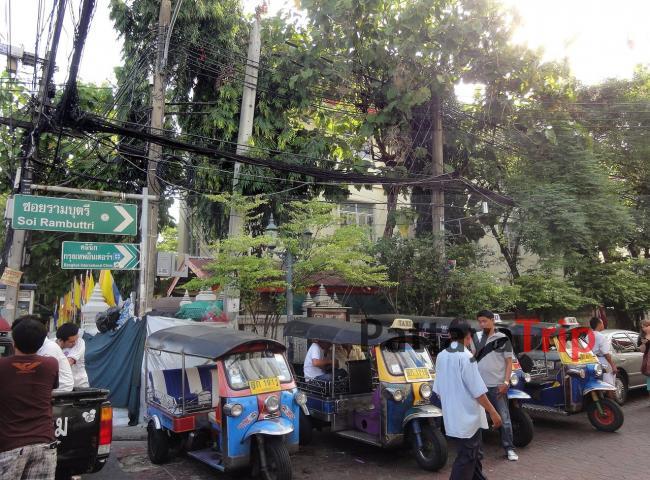 Переулок Rambuttri в Бангкоке