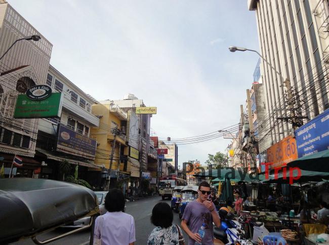 Улица Chakkaphong рядом с Као Сан
