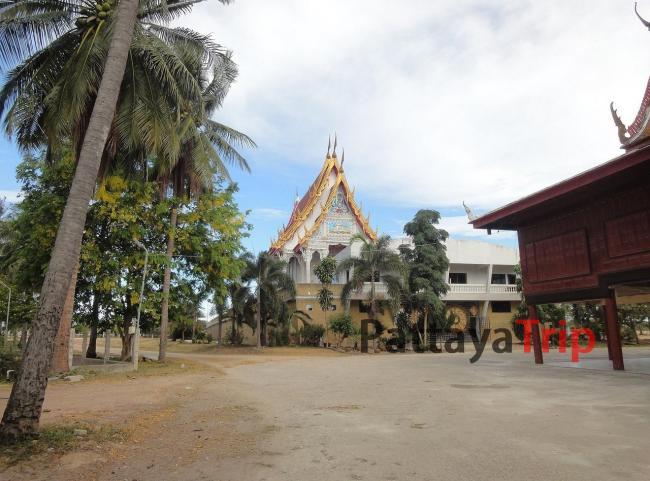 Храм-корабль в Ча Ам (Тайланд)