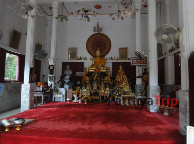 Храм Neranchararam в Ча Ам (Тайланд)