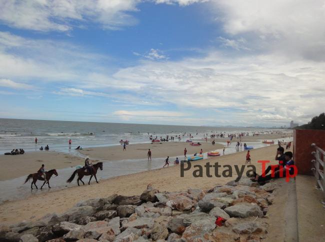 Центральный пляж Ча Ам